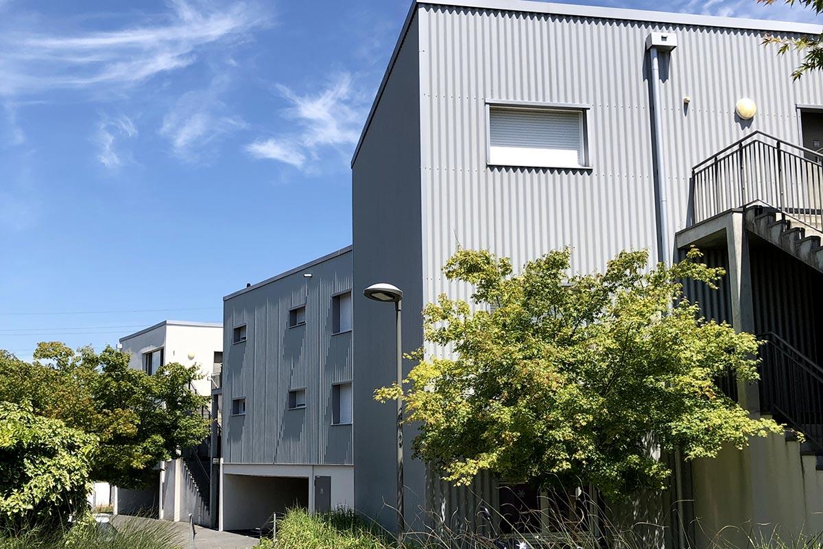Cour Intérieur De La Résidence Tiscot Située à Blanquefort Et Réalisée Par L'agence Bulle Architectes.