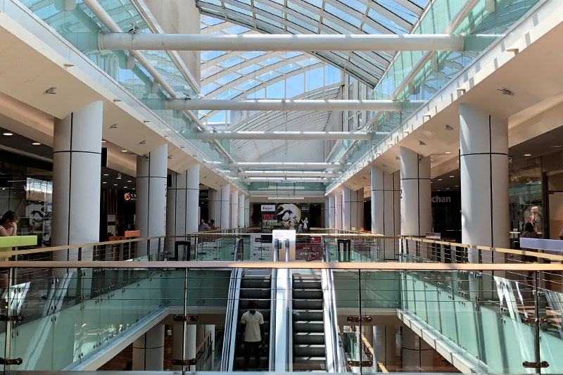 Global View In The Heart Of The Meriadeck Shopping Center In Bordeaux With Its Glass Roof.