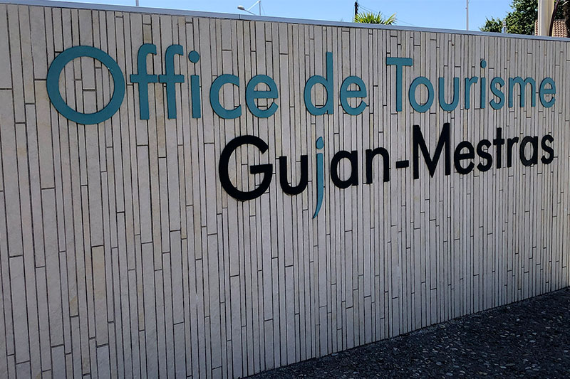 Stone Sign Wall Present At The Entrance Of The Tourist Office Of Gujan-Mestras Realized By The Agency Bulle Architectes.