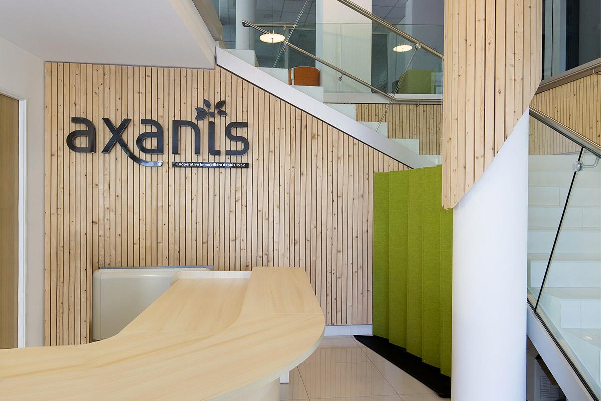 Comptoir D'accueil Des Bureaux D'Axanis Réalisés Par Bulle Architectes à Bordeaux.
