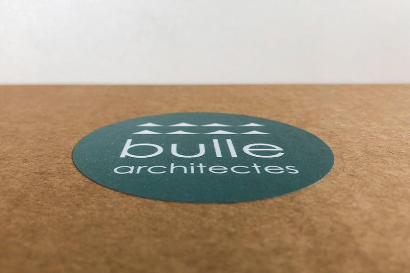 Etiquette Verte Créée Spécialement Pour La Communication De L'été 2021 De L'agence Bordelaise Bulle Architectes.